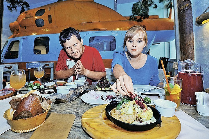 Кардиологи рассказали об опасности поздних приемов пищи