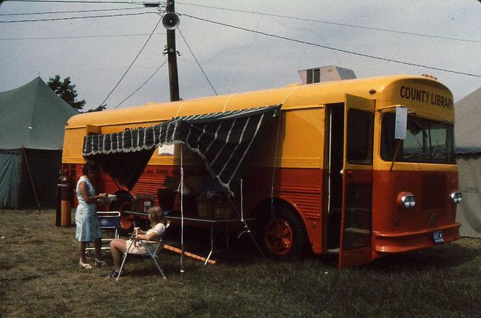 1973 библиотека, библиотека на колесах, ретро фото