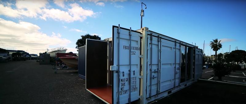 Уютная квартира в грузовом контейнере площадью 15 м²