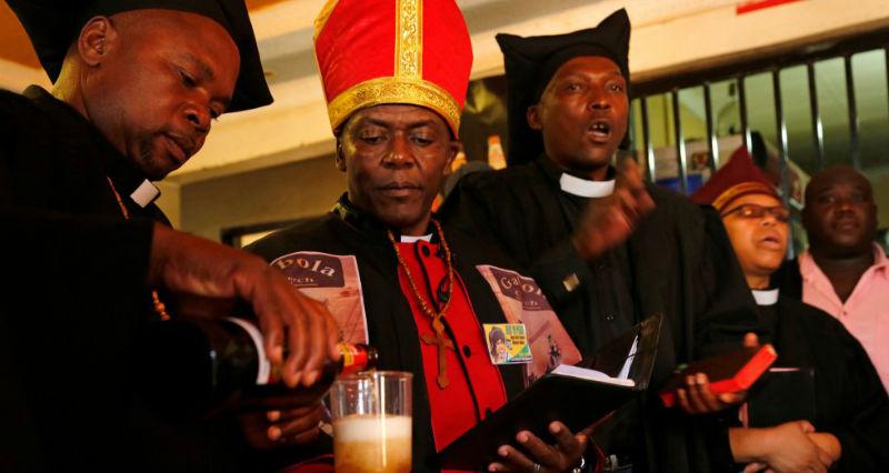 Церковь в ЮАР разрешает прихожанам выпивать во время службы
