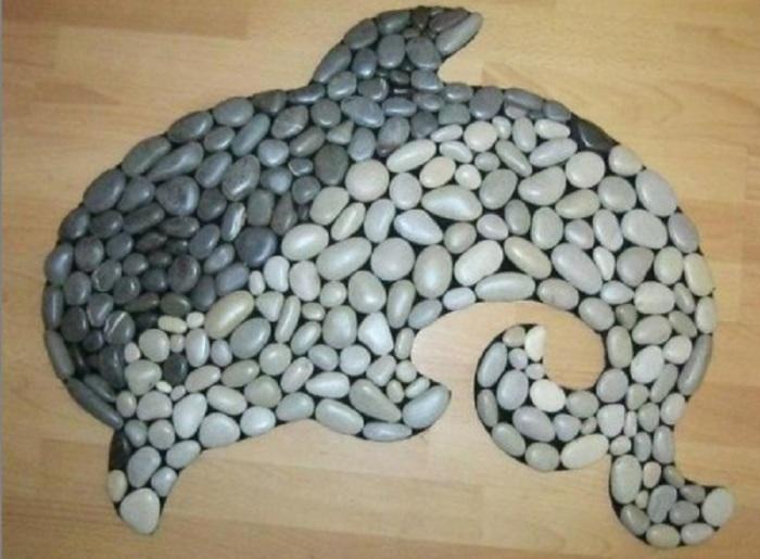 Такой дельфин станет красивым украшением детской или ванной комнаты. /Фото: i.pinimg.com