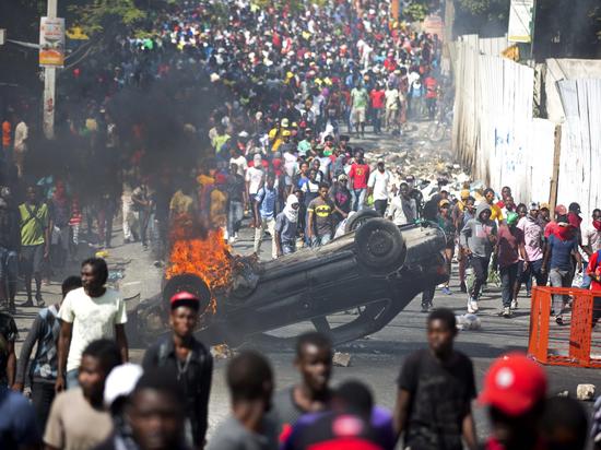 """""""Долой американцев, да здравствует Путин!"""": Жители Гаити взбунтовались против США и призвали Путина"""
