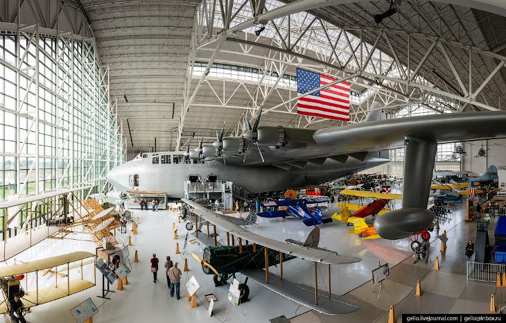 Hughes H-4 Hercules— самый большой в мире гидросамолёт