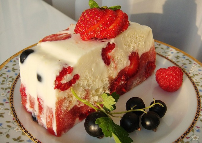 Картинки по запросу десерт с клубникой