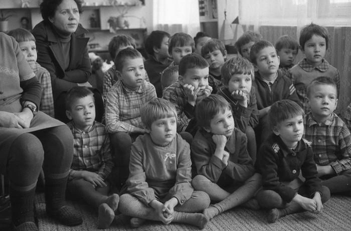 Кукольный театр в детском саду. СССР, Новокузнецк, 1980-е годы.