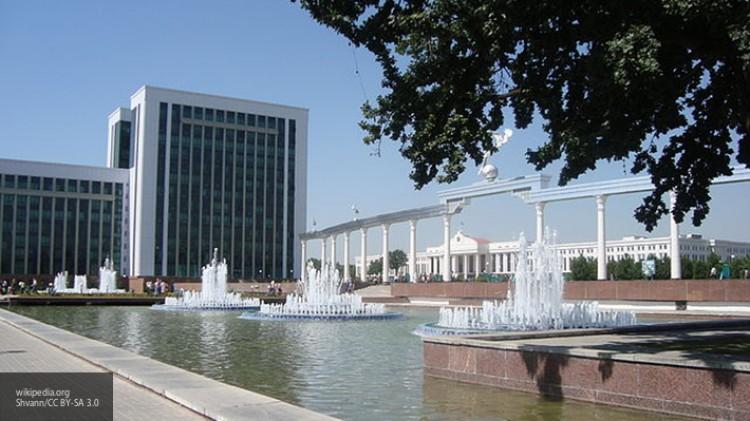 В Узбекистане отменяют выездные визы и вводят загранпаспорта для граждан страны