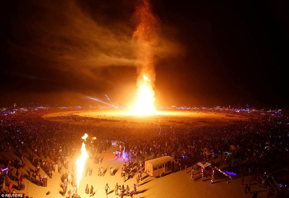 На фестивале Burning Man сгорел живой человек