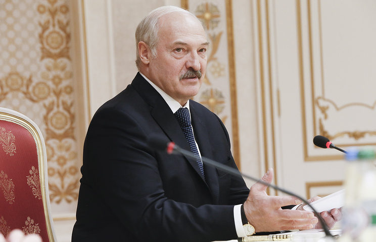 Лукашенко заявил, что СМИ в современном мире стали оружием мощнее ядерного.