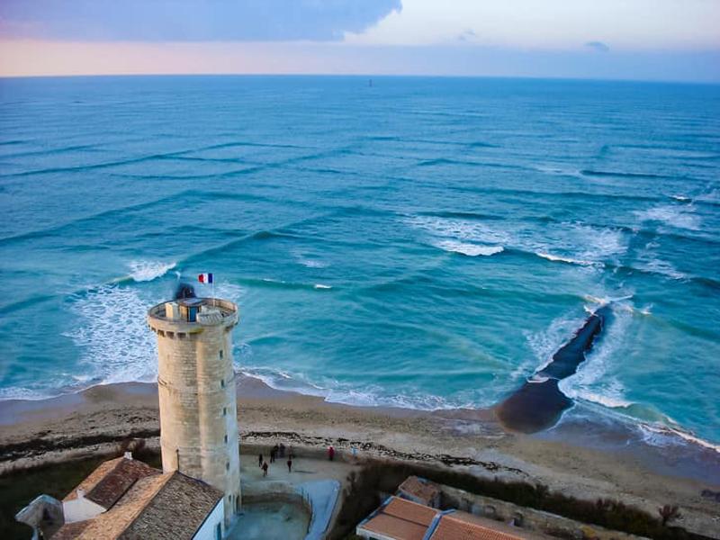 """Уникальное явление природы """"Перекрестное море"""" (фото дня) 3"""