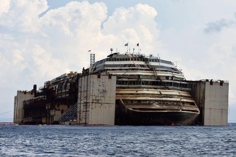 Размеры этого судна превышал…
