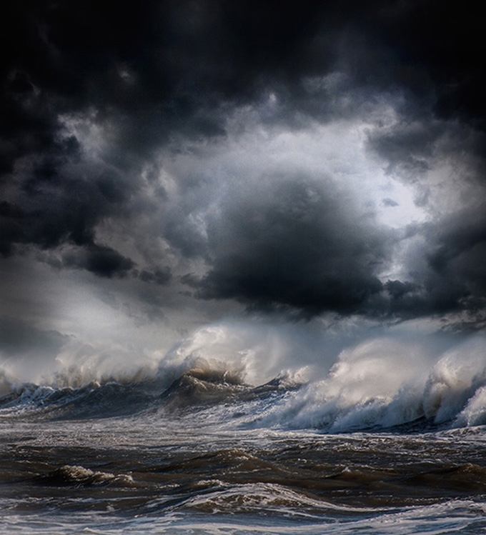 Шторм в океане - грозная сила