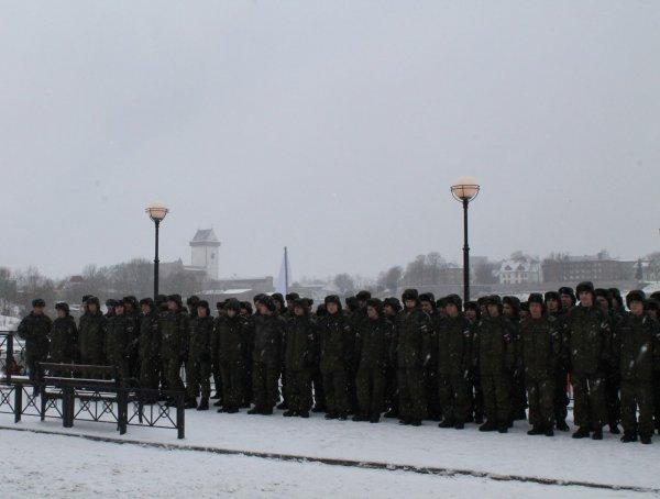 Военный праздник на Нарве ил…