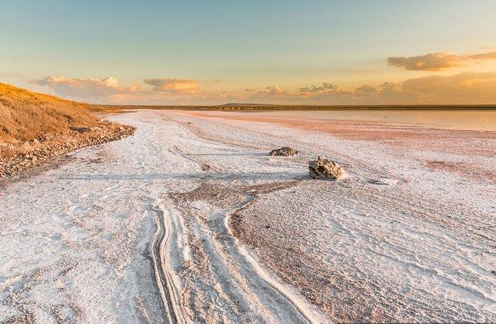 Пейзаж солёного озера. Автор фото: Сергей Анашкевич
