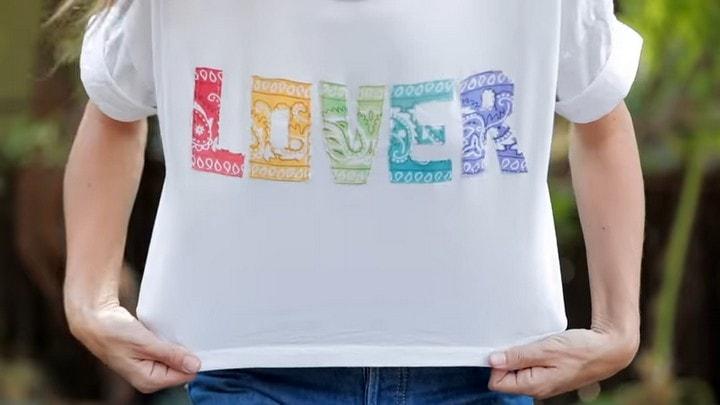 Отличный способ преобразить простенькую футболку