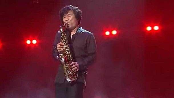 Шикарнейшее исполнение на саксофоне великой песни «Hey Jude»