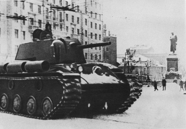 Были же танкисты. Ничего не боялись