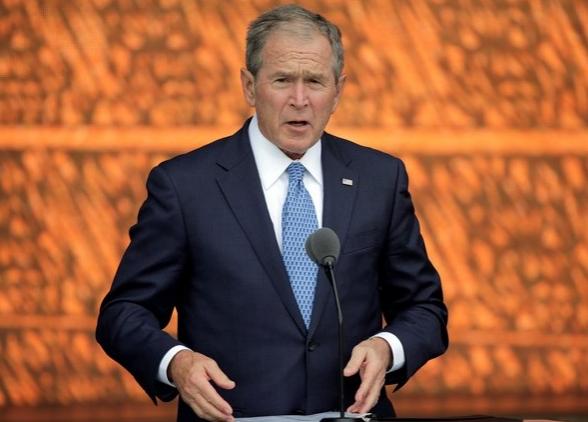 Буш: Путин вмешался в американские выборы, потому что ищет драки