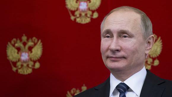 """""""Без женщин жить нельзя. На свете, нет!.."""": Владимир Путин поздравил россиянок с 8 марта стихами"""