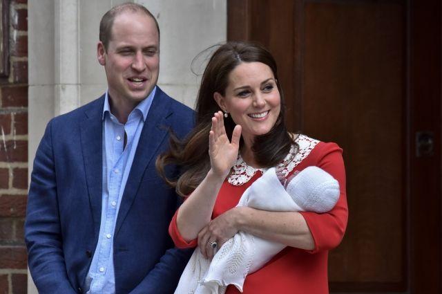 Принц Чарльз заявил, что не знает, как будет справляться с тремя внуками