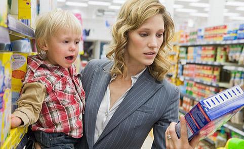 5 детских «вкусняшек», которые провоцируют опасные болезни и содержат продукты нефтепереработки!