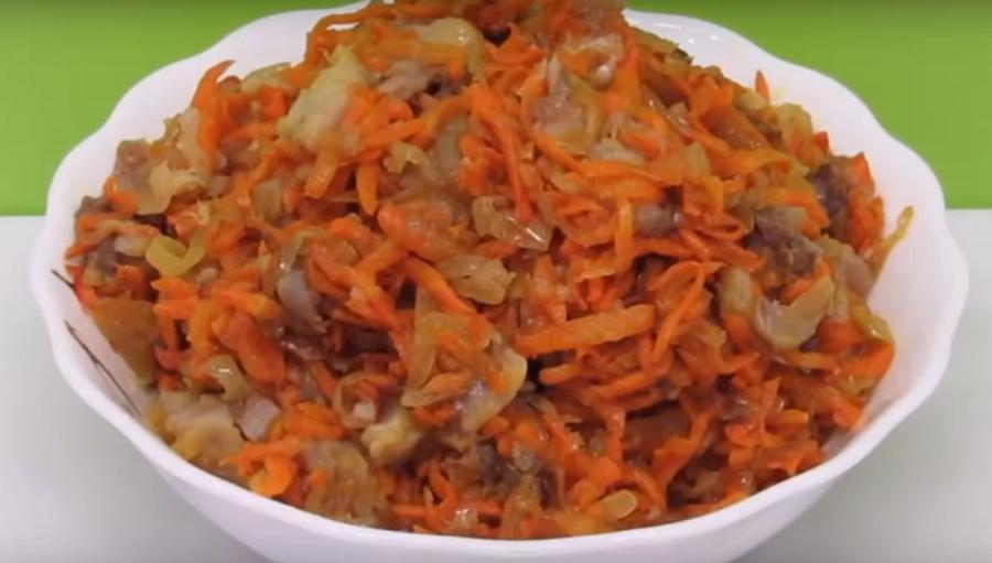 Оригинальный салат с сельдью «Вкусняшка»
