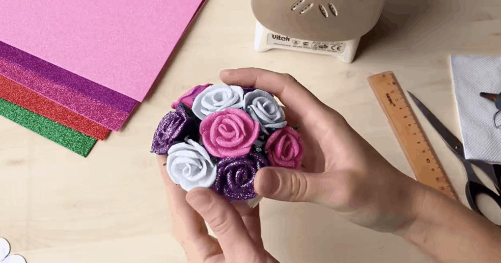 Фоамиран-отличный материал для создания изящных, красивых вещиц