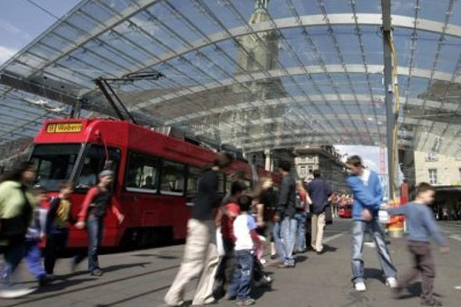 В Европе мигранты напали на туристов из России. Они не подозревали, чем это для них грозит