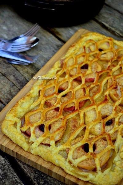 Луковый пирог рецепт из слоеного теста пошагово в