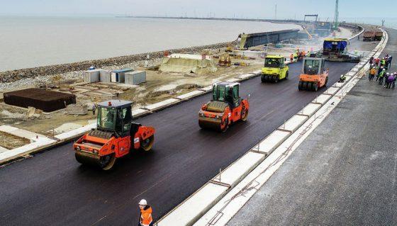 Стало известно, когда начнется автомобильное движение по Крымскому мосту