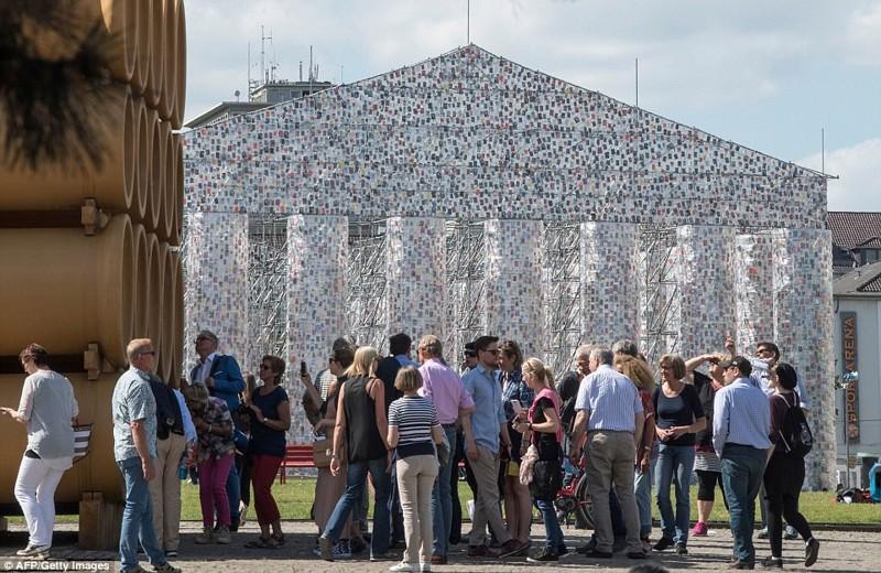 Гигантская копия Парфенона в Германии