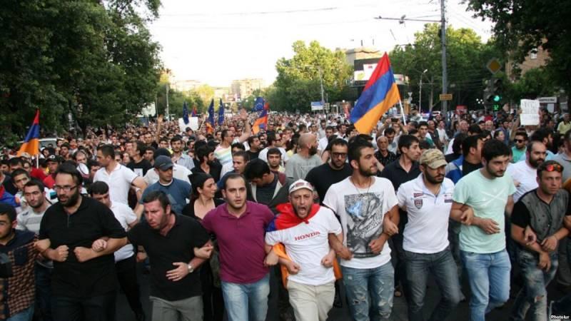 Армения. Пешка, на которой д…