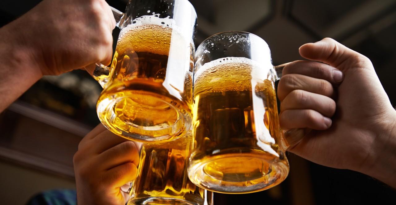 Ученые: литр пива справляется с болью гораздо лучше парацетамола