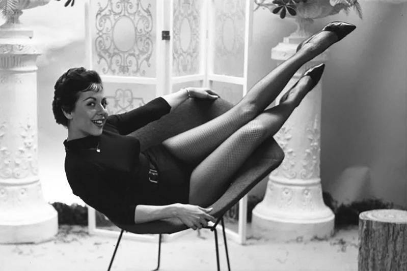 Самая старая модель Playboy снялась в нижнем белье в 83 года