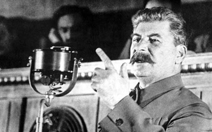 Неожиданная реакция Сталина на похвалу со стороны Черчилля