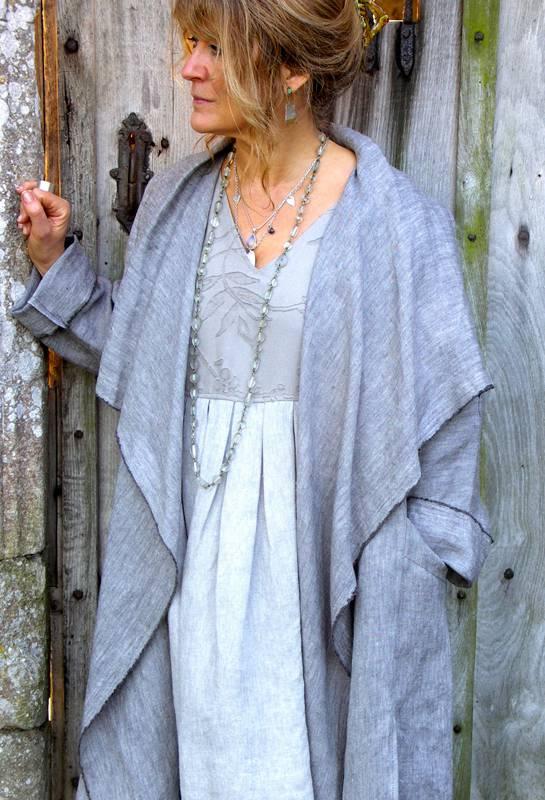Уместна ли одежда из льна в элегантном возрасте?