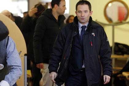 Объявлены первые результаты праймериз социалистов во Франции