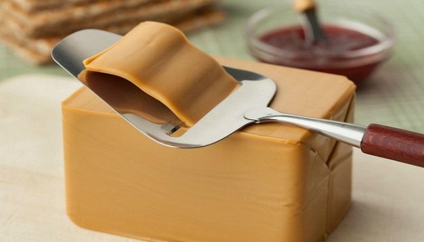 Норвежский коричневый сыр: готовим дома на радость гурманам