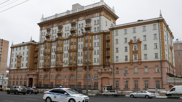 Уличное противостояние — посольство США в Москве окажется в тупике