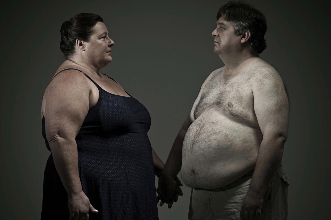 Толстяк или толстуха рядом -…