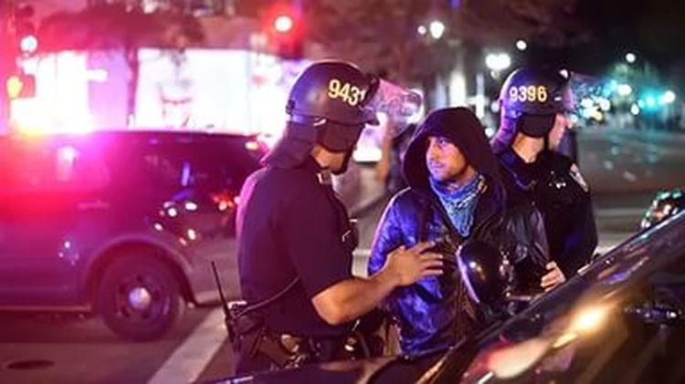 Побоище в Калифорнии: «недостойные» вышли за Трампа