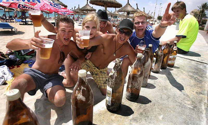 «Так не пили даже русские!»: подробности отдыха украинских туристов в Турции
