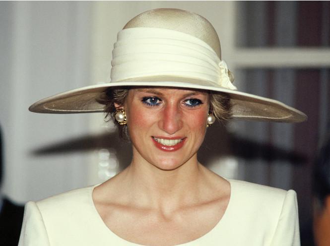 Некрасивая Диана: как принцесса справлялась с комплексами по поводу внешности