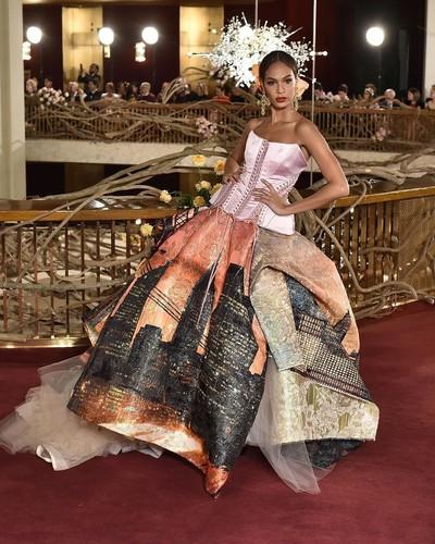 12 лучших образов шоу Dolce&Gabbana Alta Moda 2018