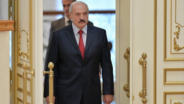 Лукашенко напал на Россию с …