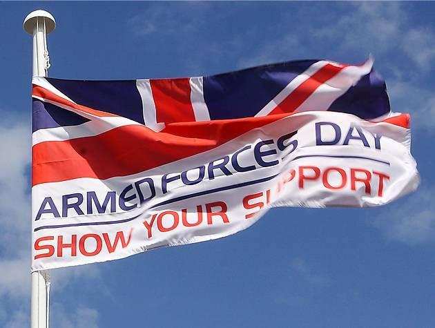 День вооруженных сил в Европе и у нас.  (Кому делать нечего, поговорим?)