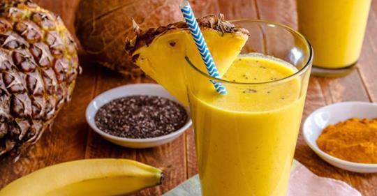 Этот насыщенный ананасовый смузи с куркумой мощно устраняет воспаление!