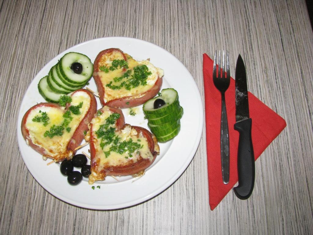 СвятоВалентиновская яичница - просто идеальный завтрак для любимого человека в День Святого Вальки
