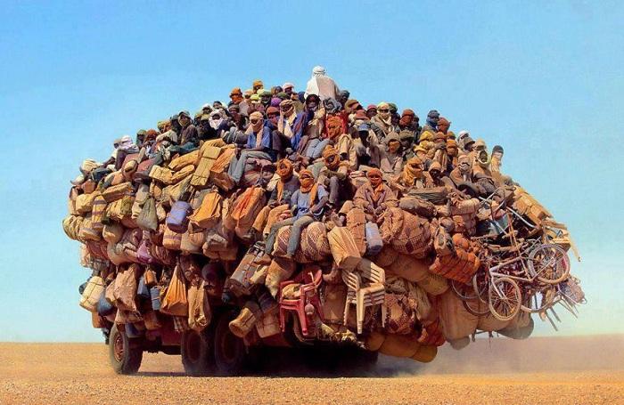 13 ошеломляющих снимков экстремально перегруженного транспорта