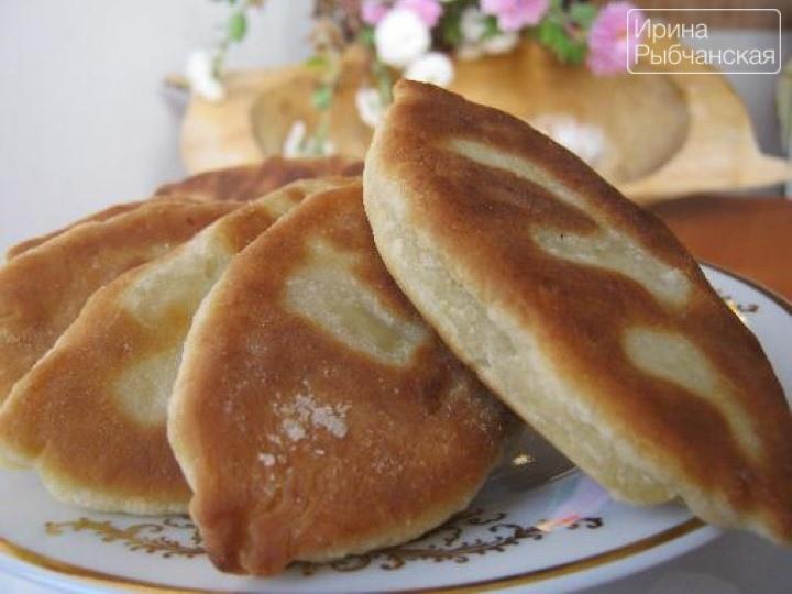 Пирожки на кефире — рецепт для сковороды и духовки