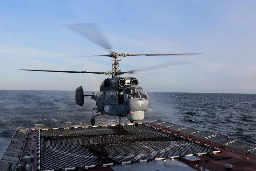 Вертолетоносцы для ВМФ России построят в Петербурге
